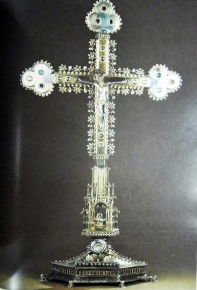 Krzyz relikwiarzowy z kościoła KRzyża Św.  w Tczewie.