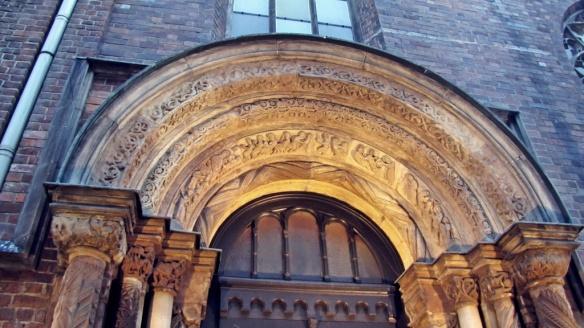 Portal Ołbiński, kościół św. Marii Magdaleny)